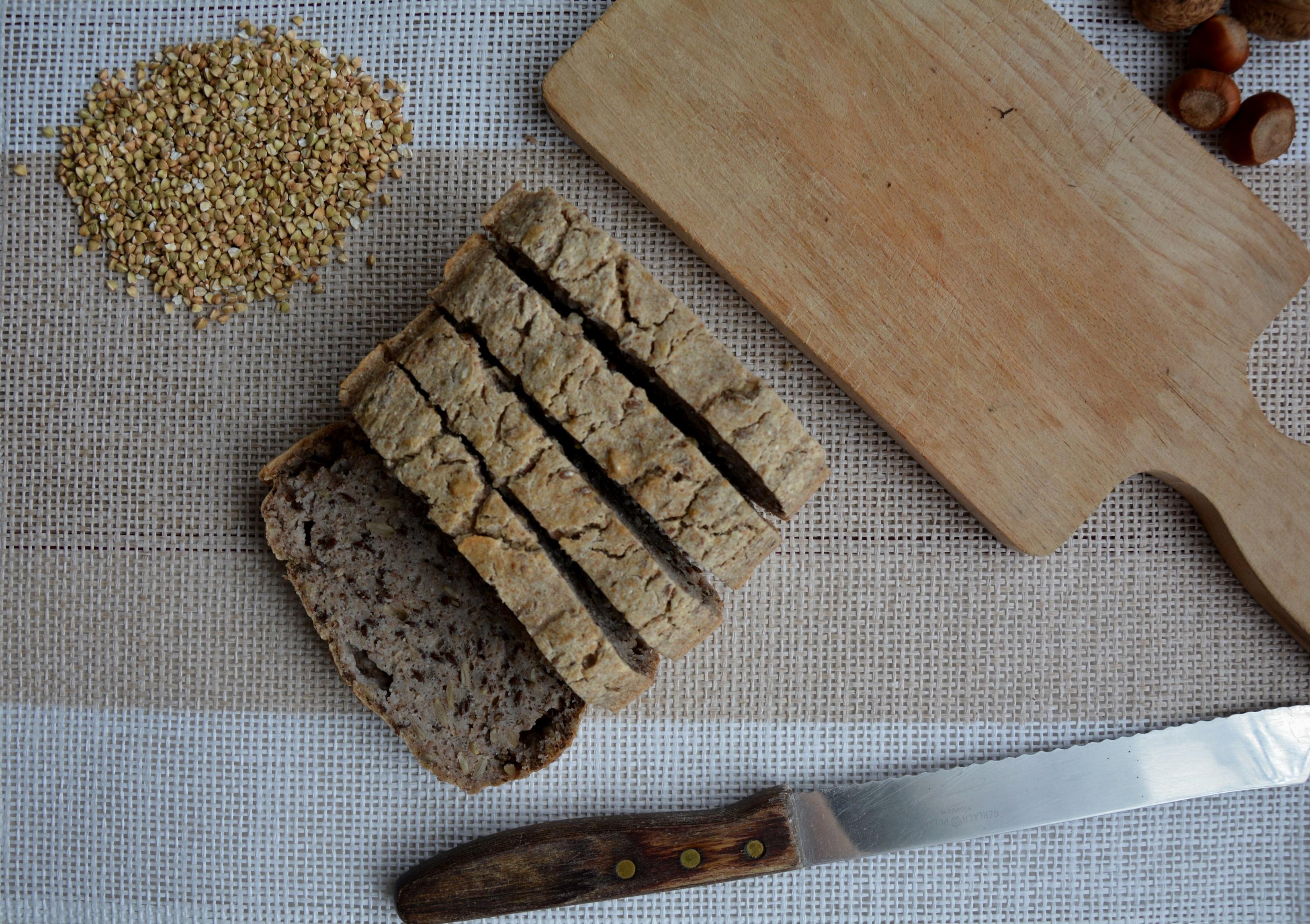 Najprostszy przepis na chleb gryczany (bez glutenu, mąki, drożdży).