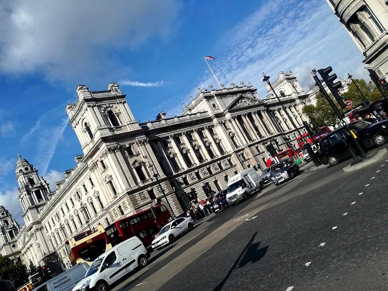 Wycieczka do Londynu. Tanie loty, transport, noclegi, jedzenie. Centrum Londynu