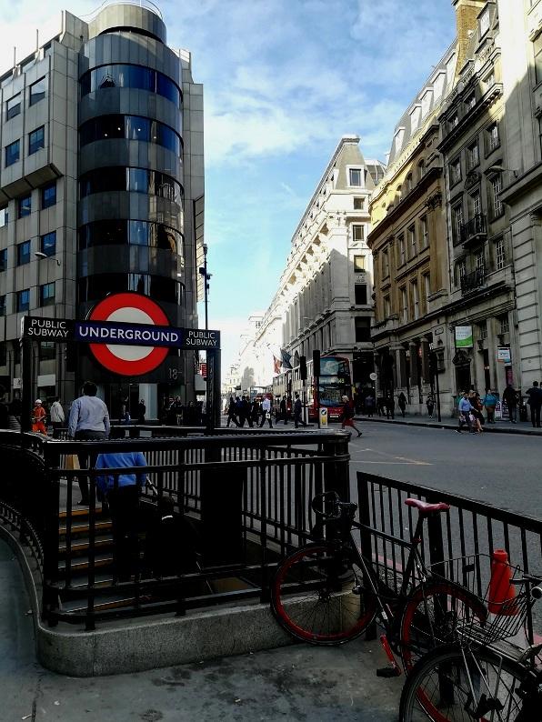 Wycieczka do Londynu. Tanie loty, transport, noclegi, jedzenie. Londyn centrum