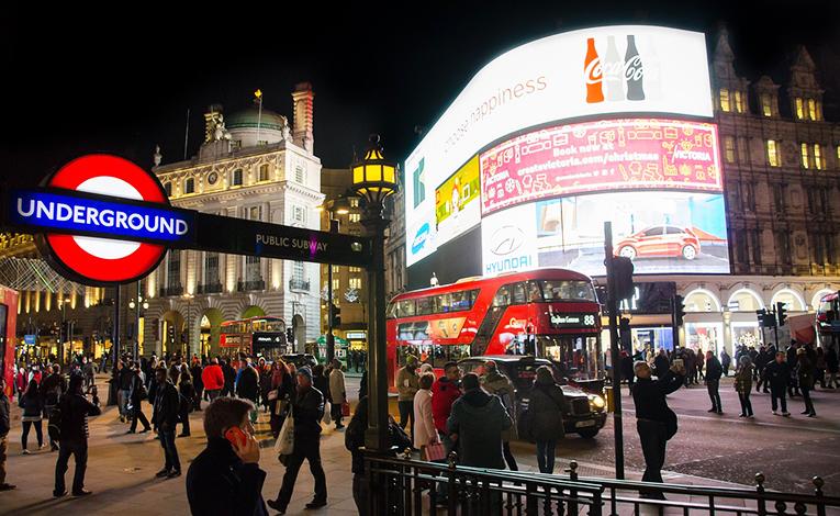 Wycieczka do Londynu. Tanie loty, transport, noclegi, jedzenie. wycieczka do londynu