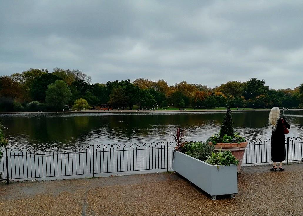 Za co kocham Londyn? 10 powodów do tego, aby zwiedzić Londyn. w parku