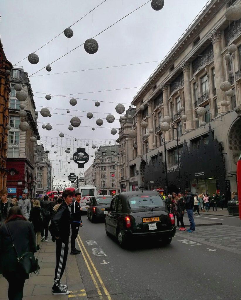 Za co kocham Londyn? 10 powodów do tego, aby zwiedzić Londyn. miasto