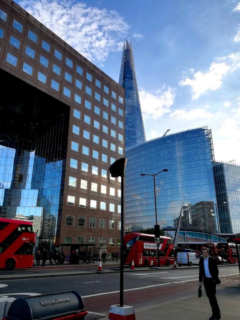 Za co kocham Londyn? 10 powodów do tego, aby zwiedzić Londyn. miasto londyn
