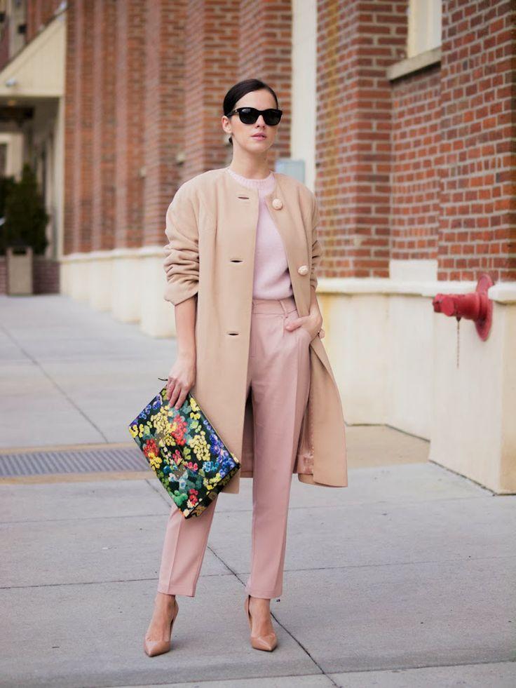 Z czym nosić róż? Intensywny, pudrowy i brudny róż w stylizacjach. pink beige