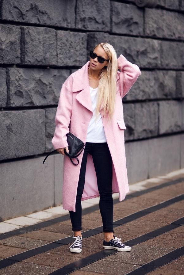 Z czym nosić róż? Intensywny, pudrowy i brudny róż w stylizacjach. pink white black